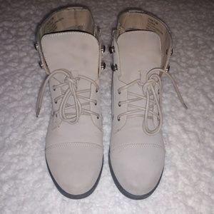 Madden Girl Ruebe short boot - size 7.5